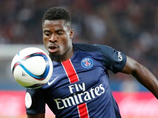 Paríž Saint-Germain predal svojho obrancu, smeruje do Anglicka