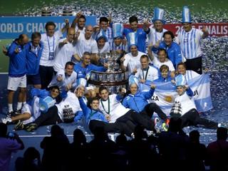 Argentína po veľkej dráme vyhrala Davis Cup, hrdinami boli del Potro a Delbonis