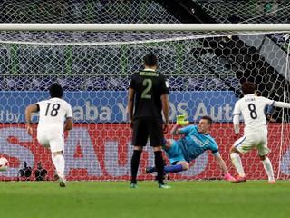 Japonci sú senzačne vo finále MS klubov, rozhodca prvý raz použil videotechnológiu