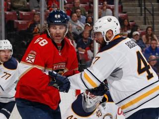 Jágr sa vyrovnal legende a je už druhý v histórii NHL, Hossa sa zranil