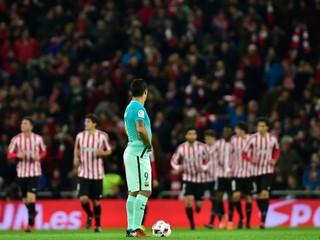 Barcelone nepomohli ani dve červené karty súpera, pohárový zápas v Bilbau prehrala