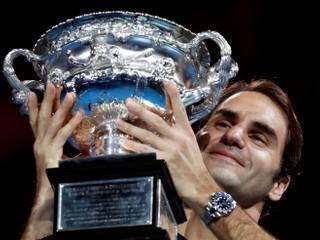 Roger Federer vyhral Australian Open, v päťsetovom boji porazil Nadala