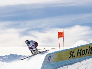 Nebezpečné pády i ľudia nad mrakmi. Pozrite si najkrajšie zábery z MS v lyžovaní