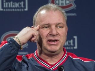 Montreal prepustil trénera Therriena a nahradil ho Julienom