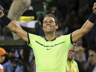 Tenis sa vracia do minulosti. O post jednotky budú bojovať Nadal s Federerom