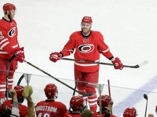 Napriek skleróze multiplex sa vrátil do NHL. Bickell po sezóne ukončí kariéru