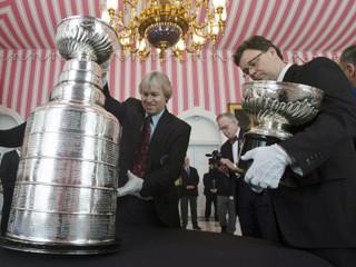 NHL: Pozrite si, kto proti komu nastúpi v prvom kole play-off