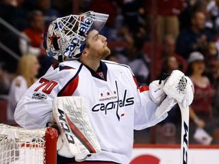 Zlikvidoval obrovskú šancu. Zákrok desaťročia v NHL predviedol Holtby