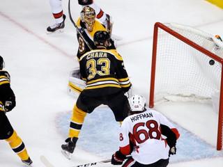 V play-off NHL vypadli ďalší dvaja Slováci, víťaz základnej časti sa vytrápil