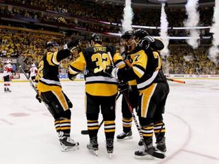 Pittsburgh zničil Ottawu. Strelil sedem gólov a je krok od finále