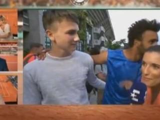 Francúzsky tenista prišiel o akreditáciu na Roland Garros. Obťažoval reportérku