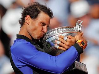 Dostal vlastnú trofej. Nadal má desiaty titul z French Open