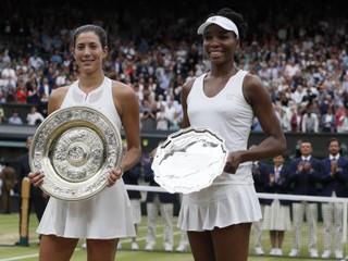 Muguruzová vyhrala Wimbledon, Williamsová v druhom sete nezískala ani gem