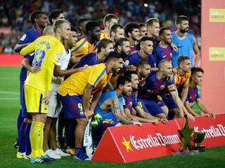Potlesk, dojatie i hráči, ktorí prežili nešťastie. Barcelona deklasovala Chapecoense