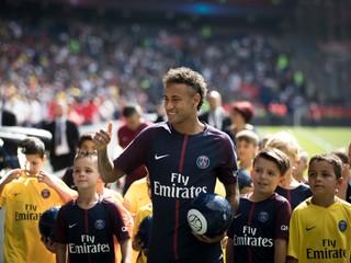 Nedokončil tréning. Neymar nepomôže PSG ani v druhom ligovom kole