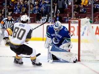 Las Vegas v príprave deklasovalo Vancouver, Halák pri výhre Islanders nechytal