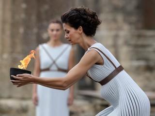 V Olympii sa rozhorel oheň pre hry v Pjongčangu