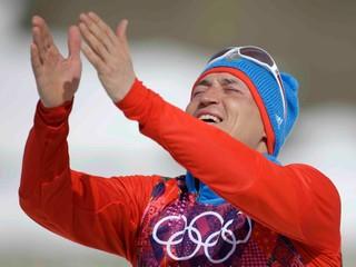 Ruský bežec na lyžiach pre doping prišiel o zlato a striebro zo Soči