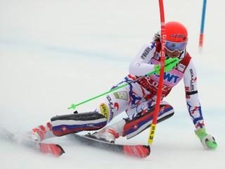 Vlhová je po prvom kole slalomu piata, suverénne vedie Shiffrinová