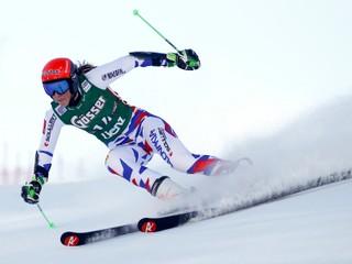 Prvé kolo obrovského slalomu vyhrala Rebensburgová, Vlhová je trinásta