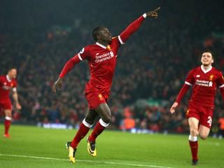 Liverpool zdolal Cardiff a je opäť lídrom, Manchester United utŕžil debakel
