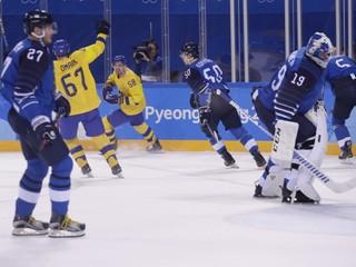 Švédi v severskom derby porazili Fínsko a postúpili priamo do štvrťfinále