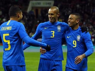 Rusko doma hladko podľahlo Brazílii, Kolumbia otočila zápas a porazila Francúzsko