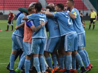 El Maestro: Veľký a silný Slovan sa sústredí na malý a nudný pohár