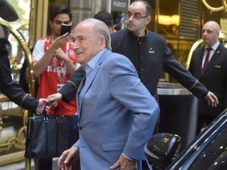 Blatter je pripravený vypovedať ohľadom udelenia organizácie MS Kataru