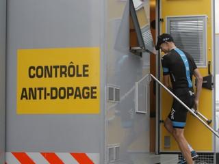 Frooma zbavili dopingových obvinení, môže obhajovať titul na Tour