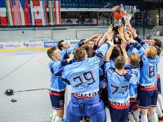 Slovenskí juniori sú majstrami sveta v hokejbale