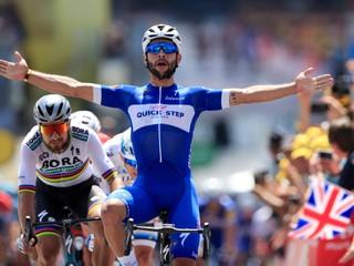 Gaviria vyhral prvú etapu, v záverečnom šprinte porazil Sagana