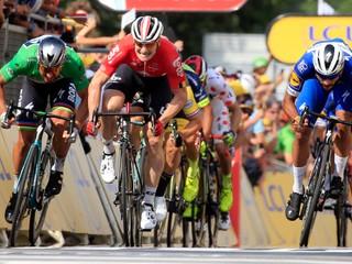 Sagan skončil v štvrtej etape Tour druhý, udržal si zelený dres