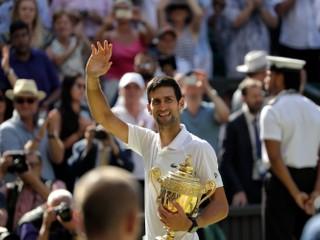 Djokovič triumfoval vo Wimbledone, získal svoj trinásty grandslamový titul