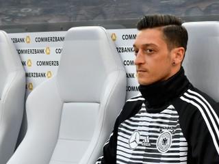 Prezident Bayernu: Som rád, že Özil skončil. V minulých rokoch nestál za nič