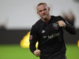 Rooney rozhodol zápas gólom z vyše polovice ihriska