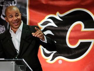 Calgary si uctí tímovú legendu, jeho číslo vyradí zo série