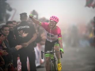 Sagan klesol v bodovacej súťaži na tretie miesto, Yates si udržal červený dres