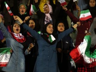 Iránske ženy pustili na futbal po vyše tridsiatich rokoch, duchovní to kritizujú