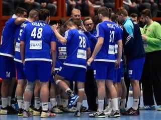 Slovenskí hádzanári prekvapivo prehrali v Taliansku, v kvalifikácii sú stále bez bodu