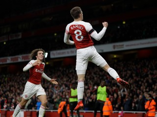 Arsenal si pohodlne poradil s Fulhamom, nezaváhal ani Tottenham