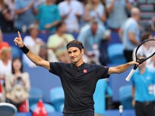 Federer suverénne postúpil do osemfinále, Berdych vyradil nasadeného hráča