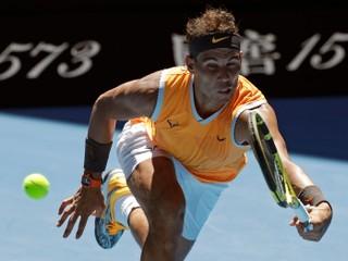 Hlavným favoritom sa na úvod Australian Open darilo, Murray prehral maratón