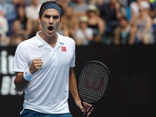 Federer sa potrápil, ale stačili mu tri sety. Favorizovaný Anderson nestačil na mladíka