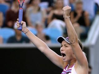 Neočakávaný príbeh pokračuje, Američanka Collinsová je už v semifinále