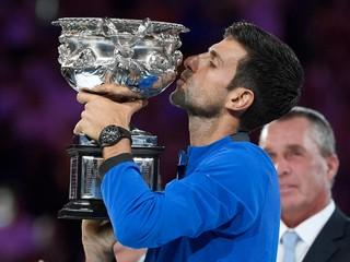 Djokovič nedal Nadalovi vo finále šancu a suverénne vyhral Australian Open