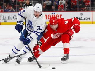 Matthews podpísal s Torontom nový kontrakt, v NHL viac zarobí už len McDavid