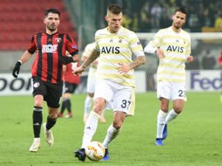 Škrtel odmietol podpísať nový kontrakt s Fenerbahce, klub ešte chce rokovať