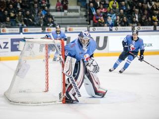 Inzultoval rozhodcu. Brankár Slovana dostal od KHL päťzápasový trest