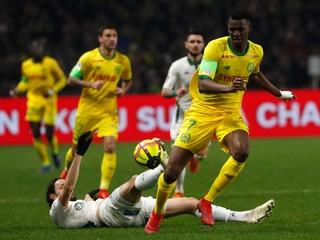 Futbalisti Nantes si poradili s Dijonom, Saint-Étienne nevyužilo šancu na posun do prvej štvorky